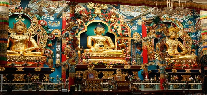 bylakuppe-buddhist-golden-temple