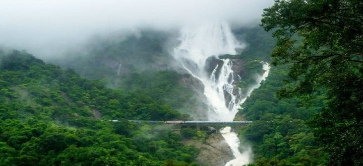 dudhsagar-falls-in-goa