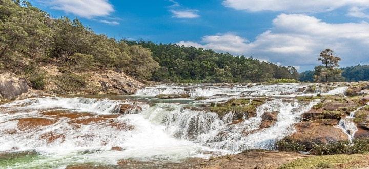 pykara-lake-and-waterfalls-ooty