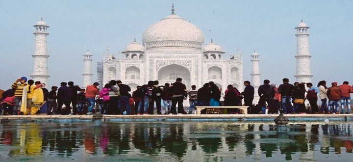 busy-timings-and-days-to-visit-agra