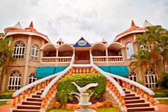 celebrity Resort Images